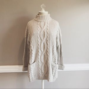 Abercrombie & Fitch Boxy Cable Turtleneck